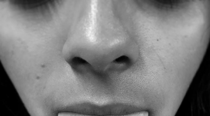 venom piercing by @galera.piercer