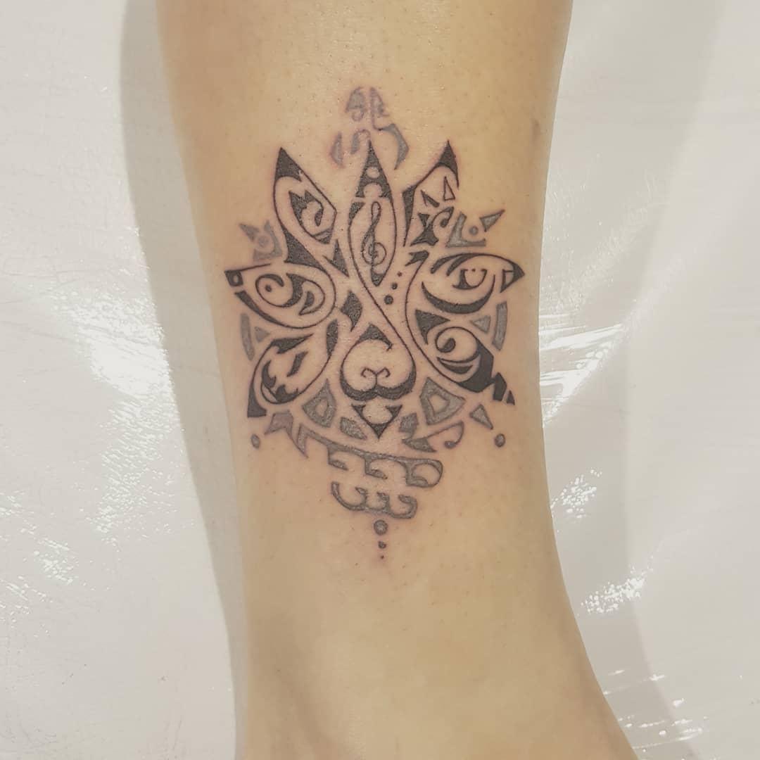 Tattoo tribali donna by @makeartcofeltre_tattoo