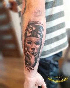 mask tattoo by @mateuszborontattoo