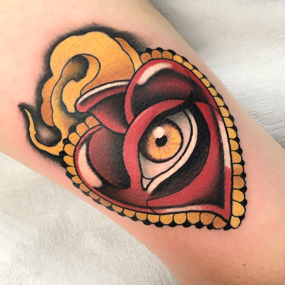 tattoo occhio cuore by @ill_mace
