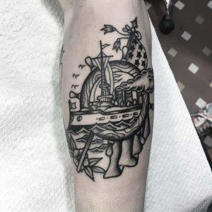 tattoo old school by @francesco_scontrini