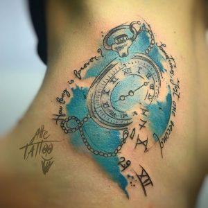 tattoo orologio numeri sparsi