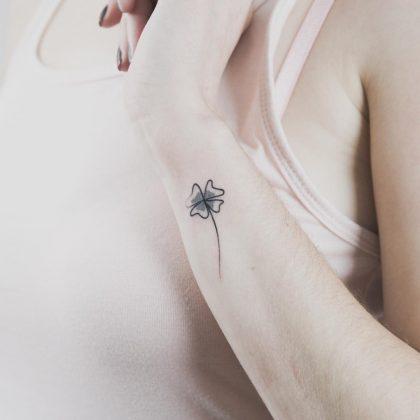 tattoo stilizzato polso by @bymosler