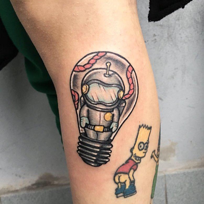 lampadina tattoo by @valentainvillatattoo