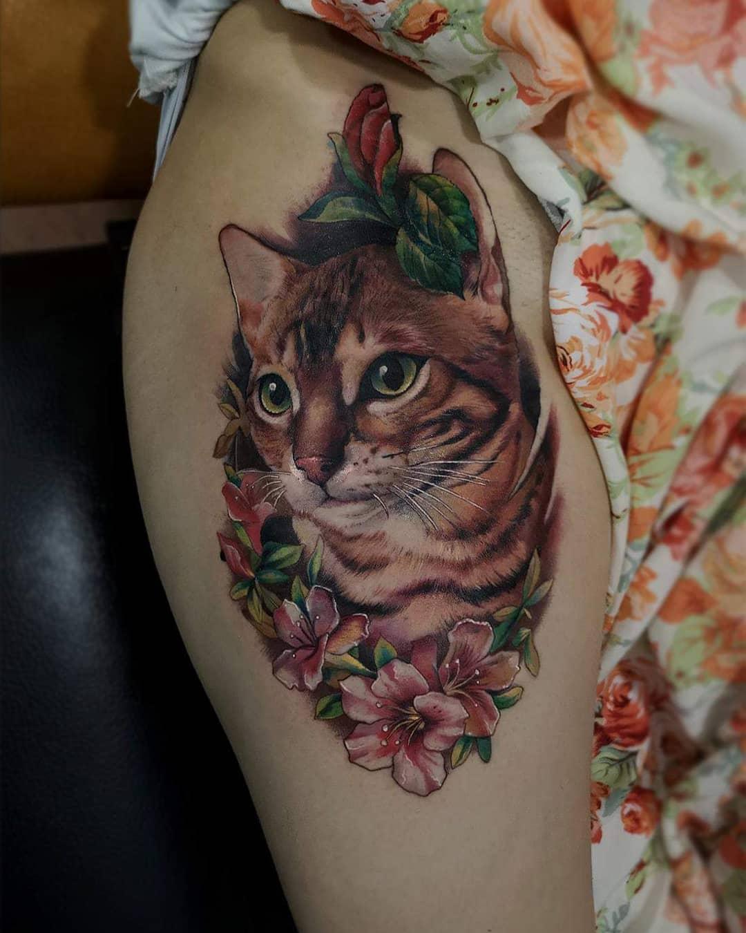 Tattoo gatto by @alvarolaratattoo