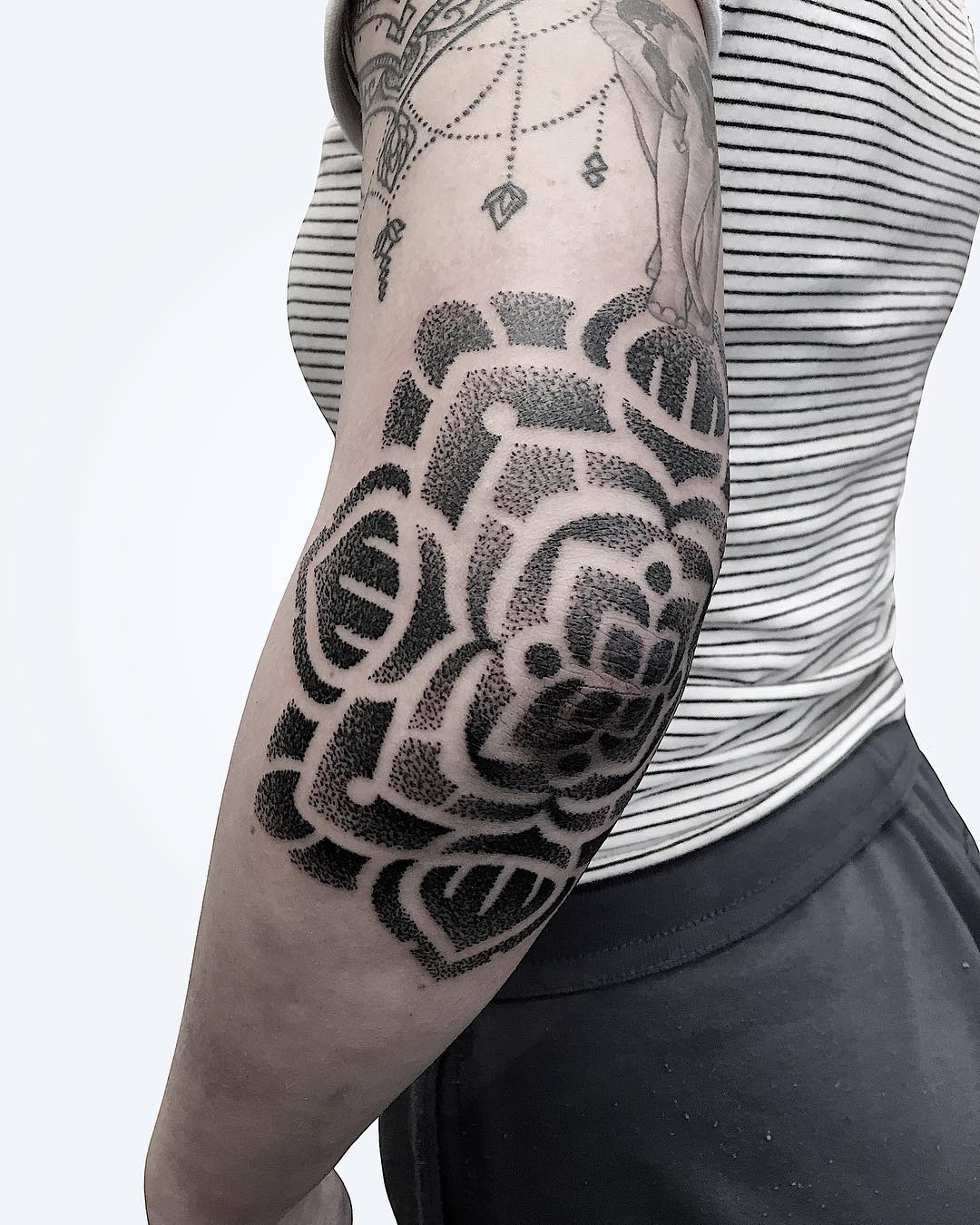 mandala by @manchetattoo