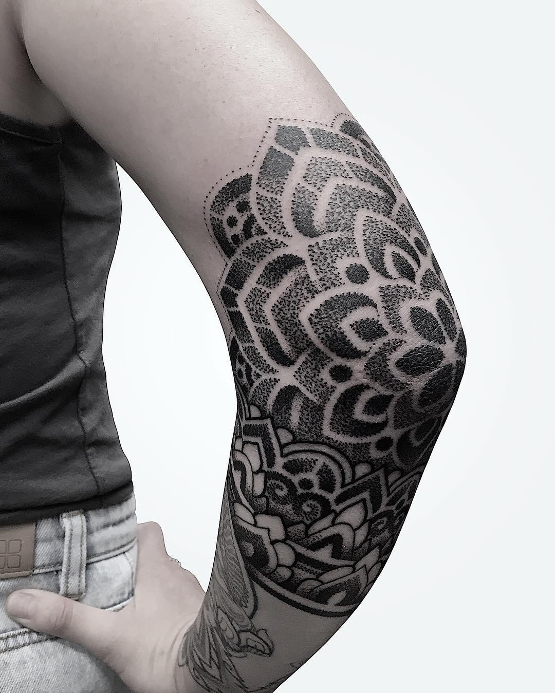 mandala tatuaggio by @manchetattoo