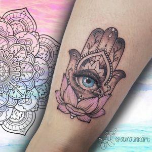 mano di fatima tattoo by @aura.inkart