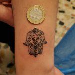 mano di fatima tattoo by @petertatto63