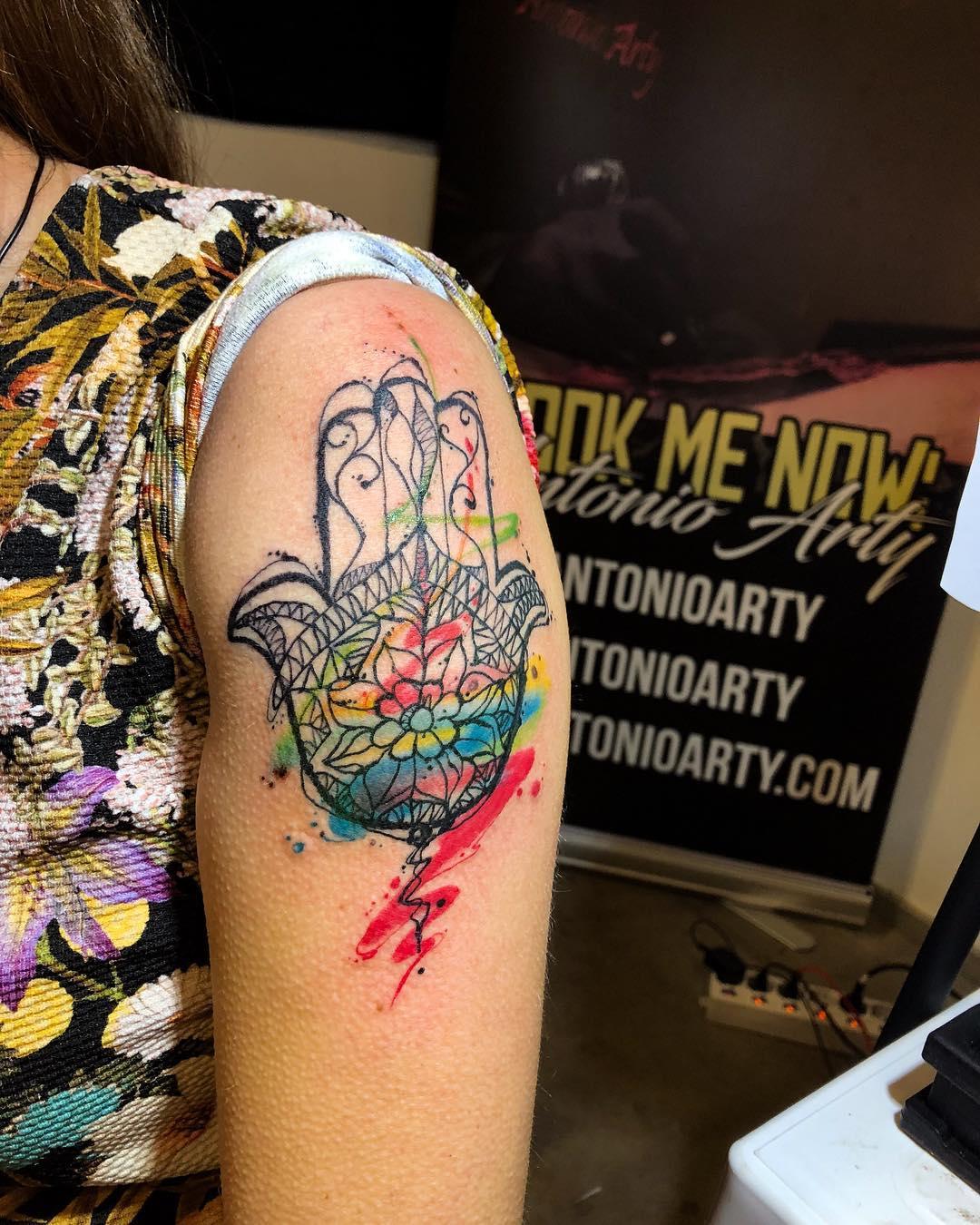 mano di fatima tattoo by @reddroptattoo