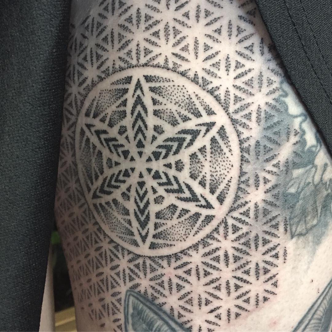 tattoo mandala by @jakeabstraction