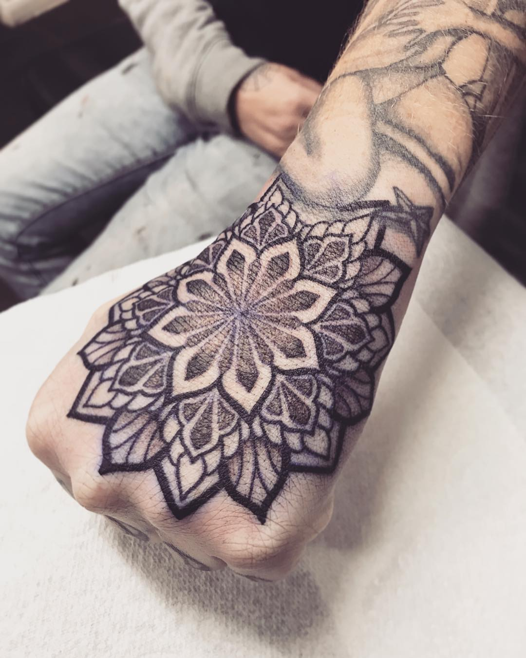 tattoo mandala by @leanneckerr