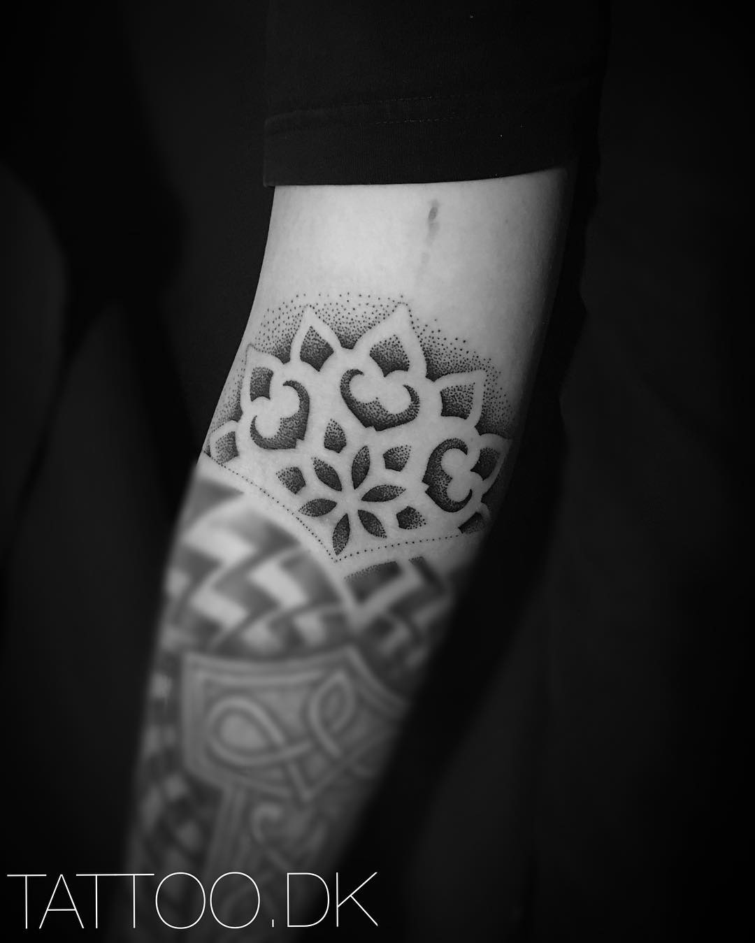 tattoo mandala by @tattoosbypatriciacampos