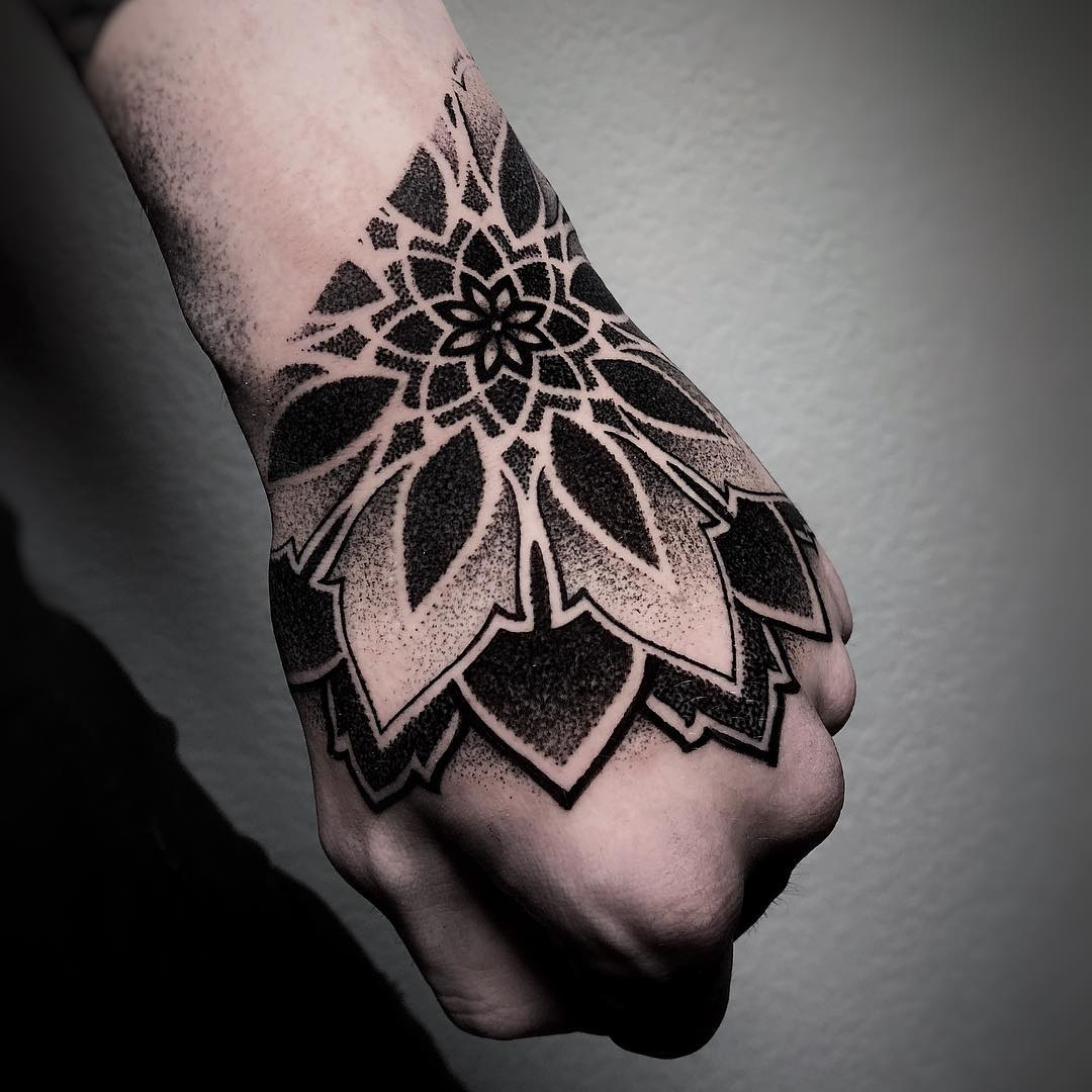 tatuaggio mandala by @joaodias_tattoo