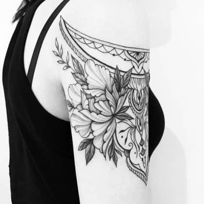 tattoo black lines by @evavanoverbeeke at @inkdistrictamsterdam