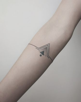 tattoo black lines by @nachotejerotattoo