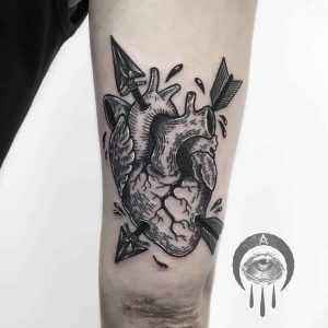 tattoo cuore trafitto by @canehotattoo