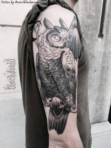 Gufo tattoo black and gray by @carolblackwoods @ligera_ink