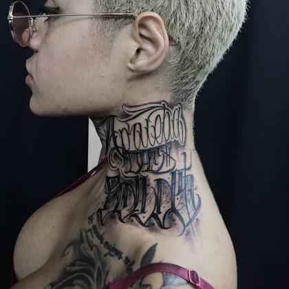lettering tattoo collo by @eddie88_tattoo