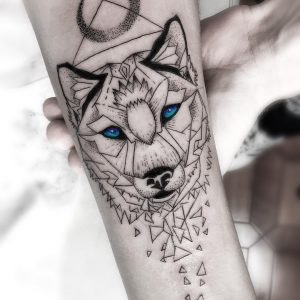 lupo tattoo by @dragod_tattoo