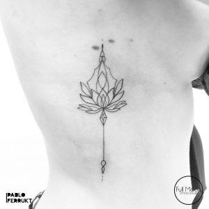 tattoo fiore di loto stilizzato by @pabloferrukt