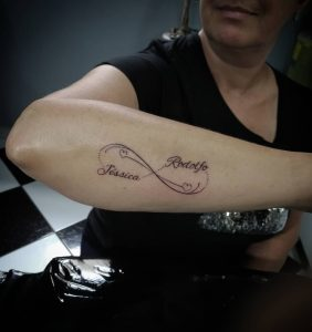 tattoo infinito con nome by @dan_tattoosp