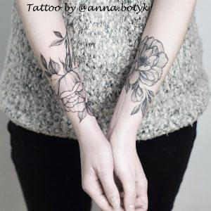 tatuaggi rose bianche e nere by @botykanna