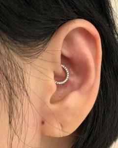 piercing cerchietto diamante Maria Tash