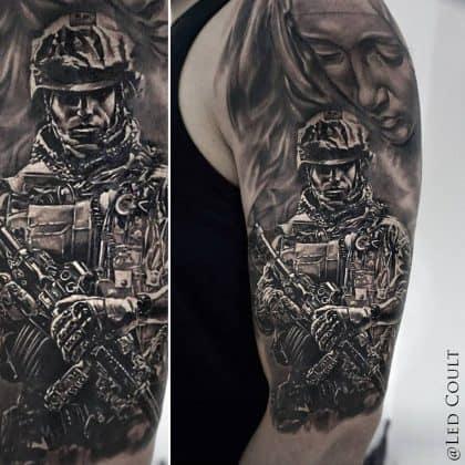tatuaggio lavoro soldato