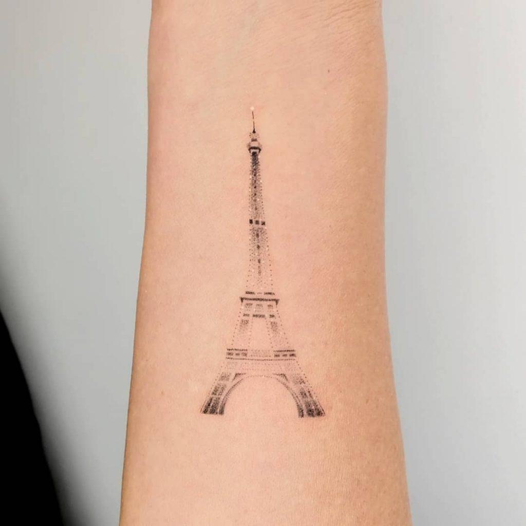 idee-tatuaggi-Torre-Eiffel-by-@peter_sparkler