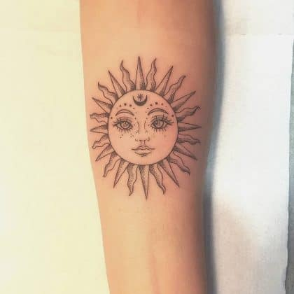 tattoo sole by @la_mau_tattoo