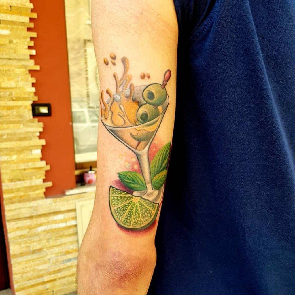 tatuaggio braccio cocktail lime by @davideredhrossi