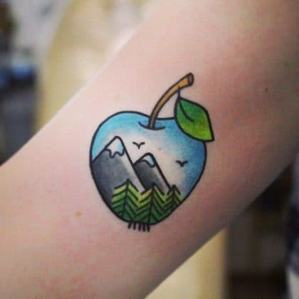 tatuaggio mela montagne by @uniquethingsz