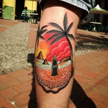 tatuaggio tramonto palme surf spiaggia by @forest_tattoo