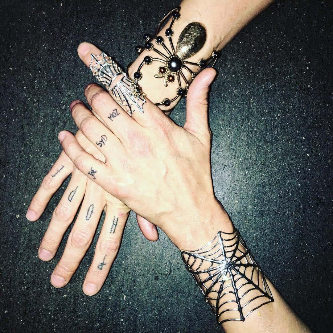 tattoo mani photocredit @asiaargento