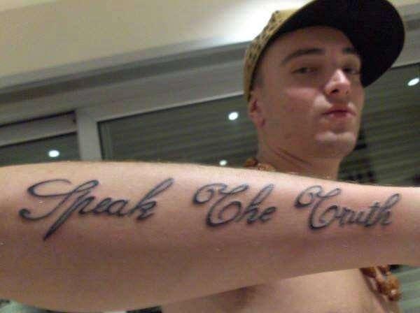 tatuaggio-speak-the-truth-di-Gue-Pequeno-photocredit-@clubdogofans.forumcommunity.net_